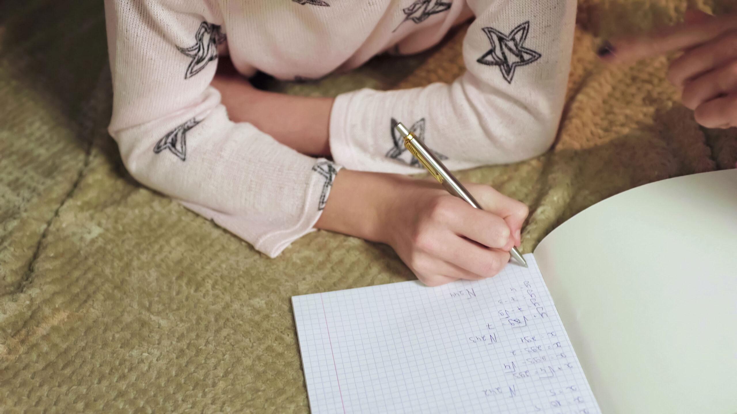 Hvordan løse enkle likninger matematikk